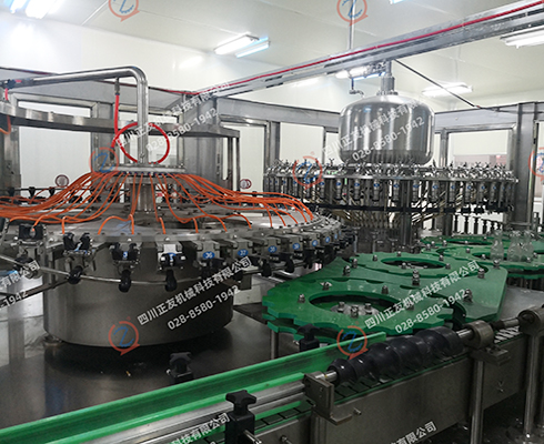 金明仕玻璃瓶旋盖灌装机(武汉)